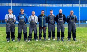 blue hein builder csapata